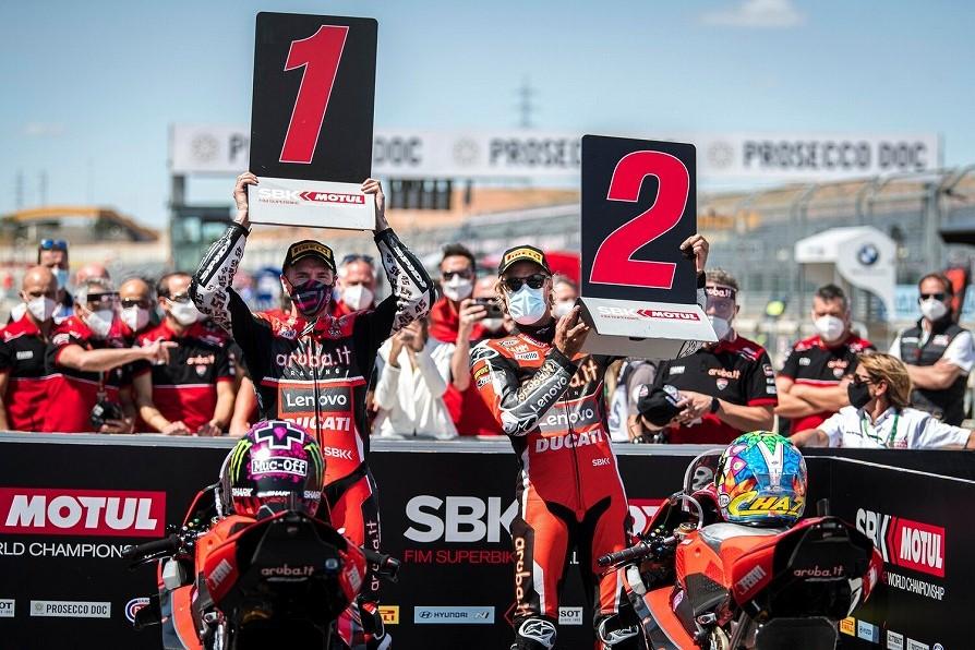 SBK世界選手権第4戦レース1 Panigale V4 R 1、2フィニッシュ!